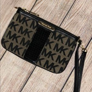 Black & Gold Michael Kors signature wristlet